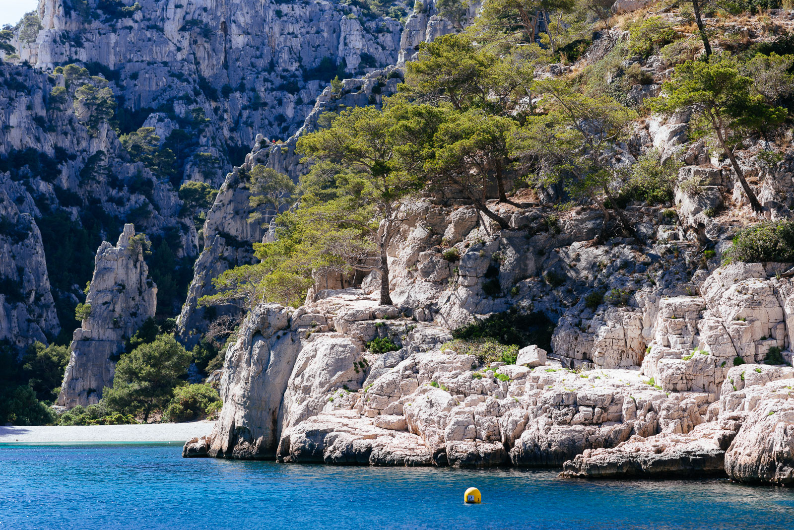 Wine and sailboat, calanque