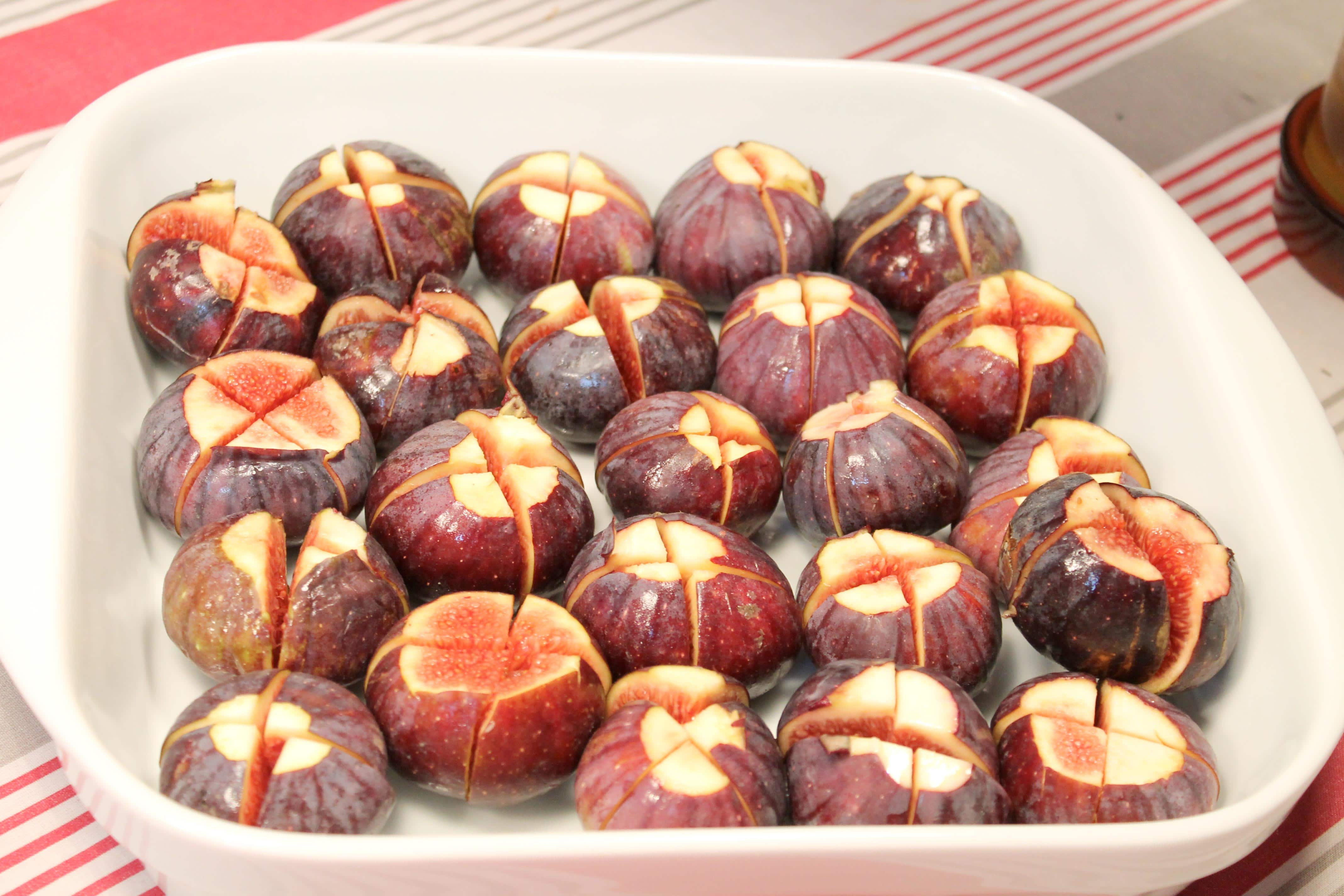 Wine and cooking class, figs ready to bake