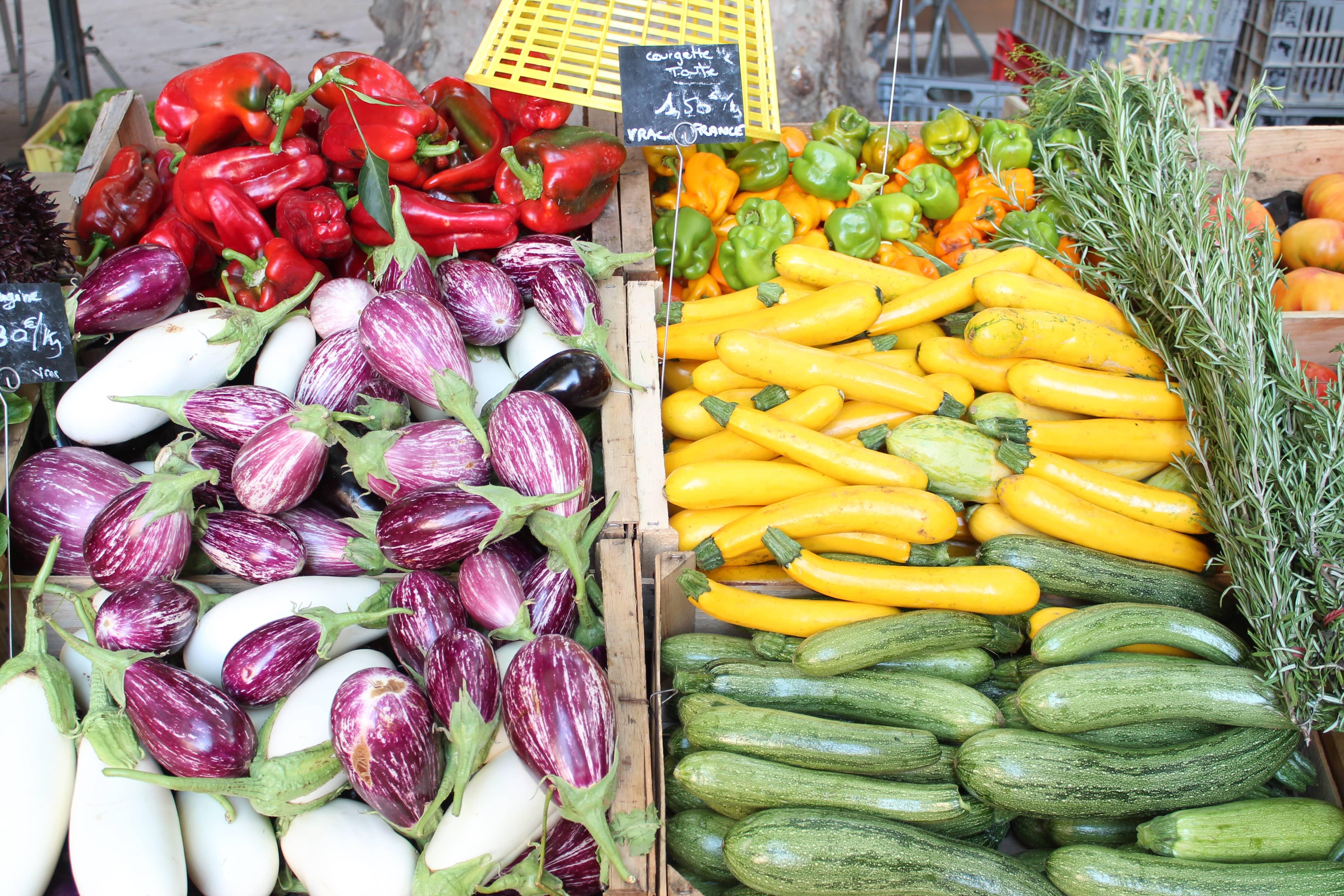 Shore excursion, vegetable stand, Marseille