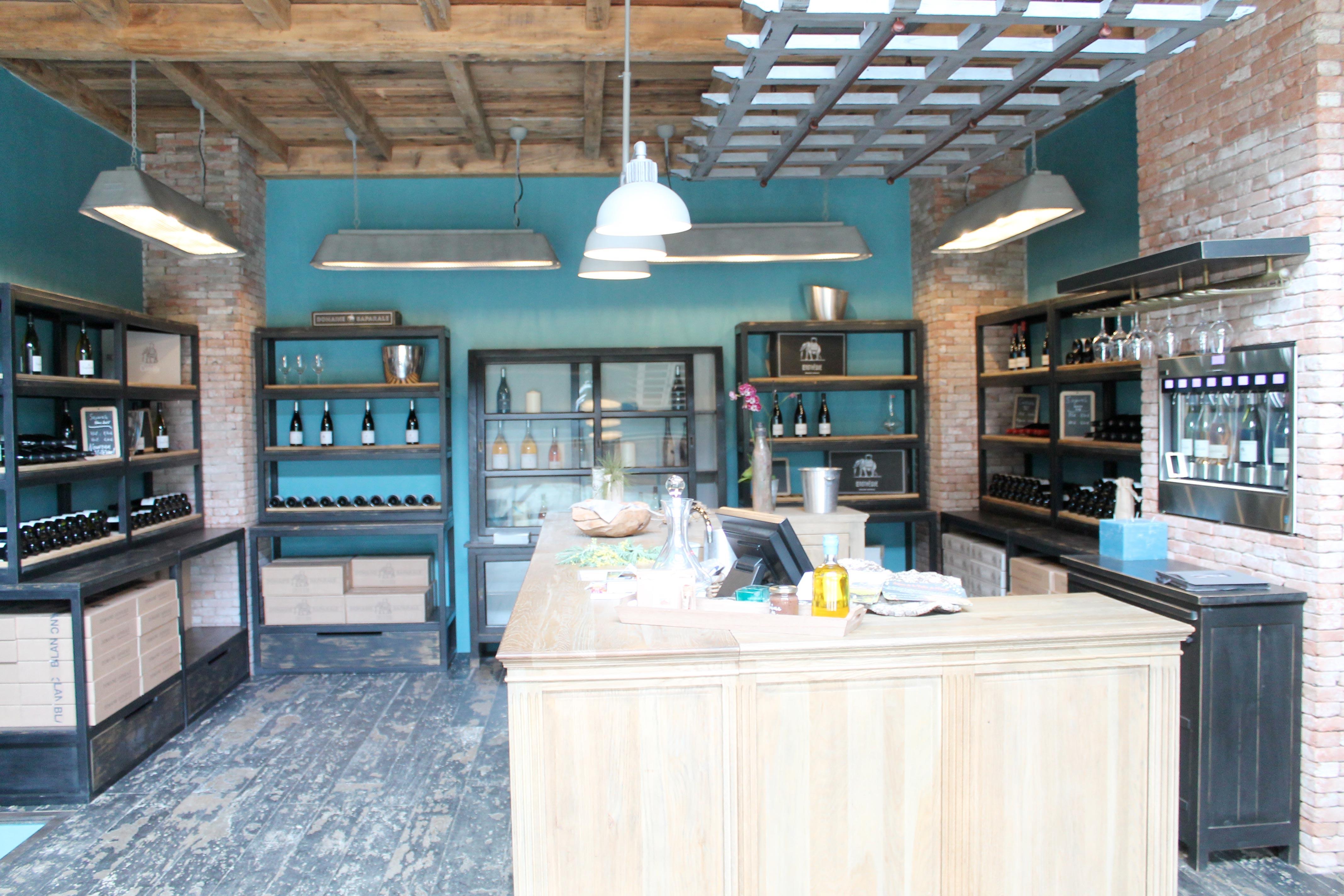 Corsica wine tour, wiine tasting room in an estate