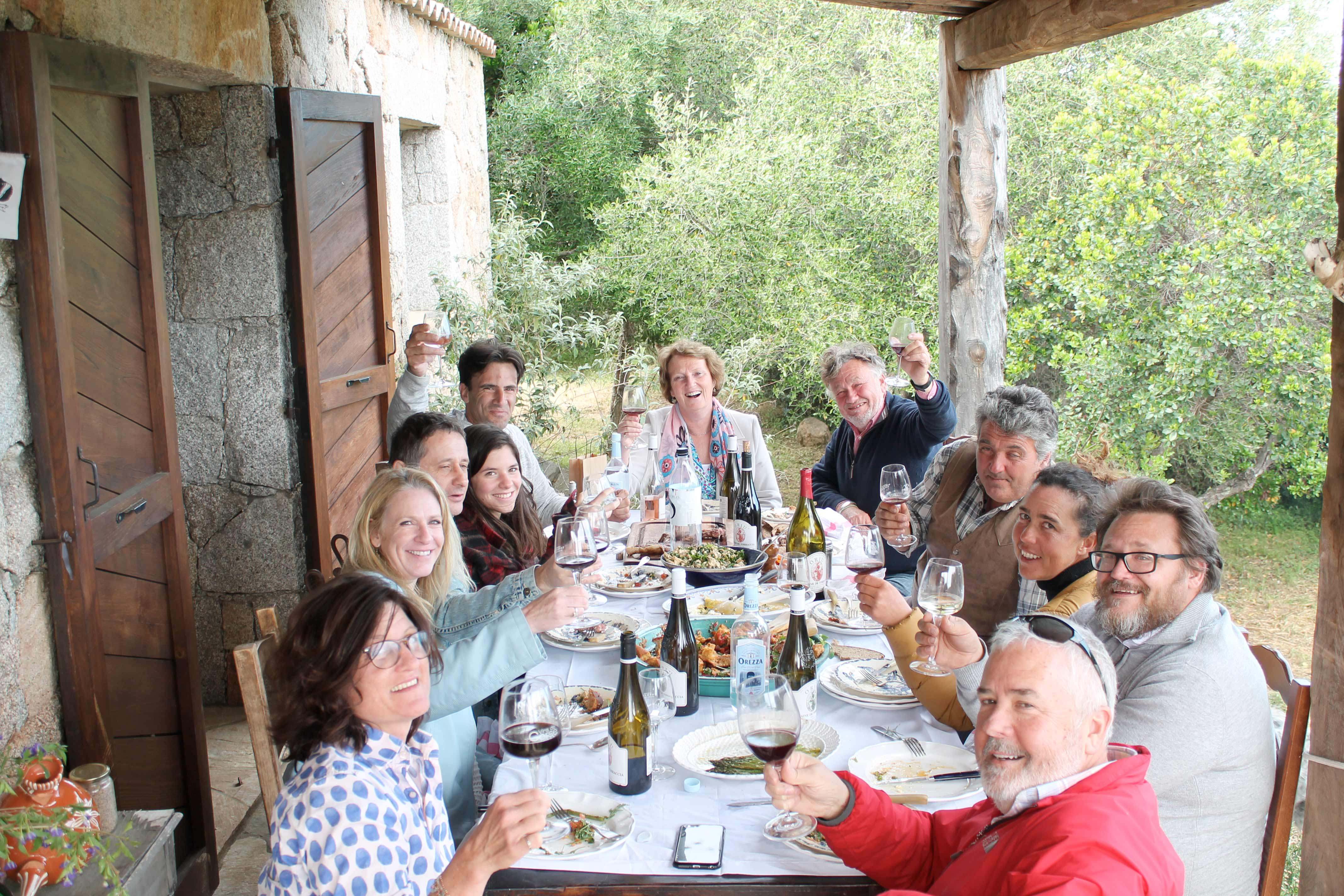 Corsican wine tour, traditional lunch in a sheepfold