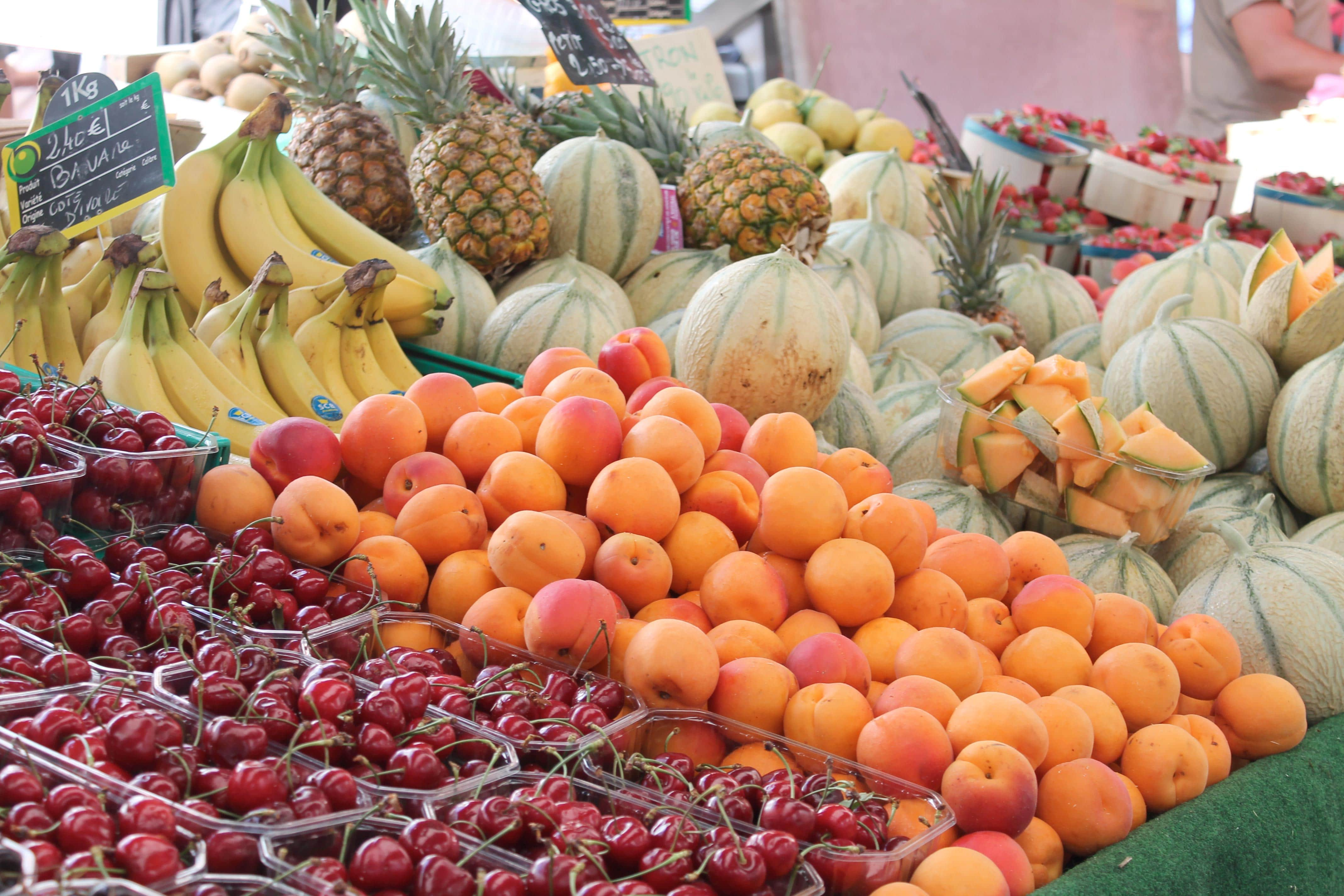 Shore excursion, fruit stall, Aix en Provence