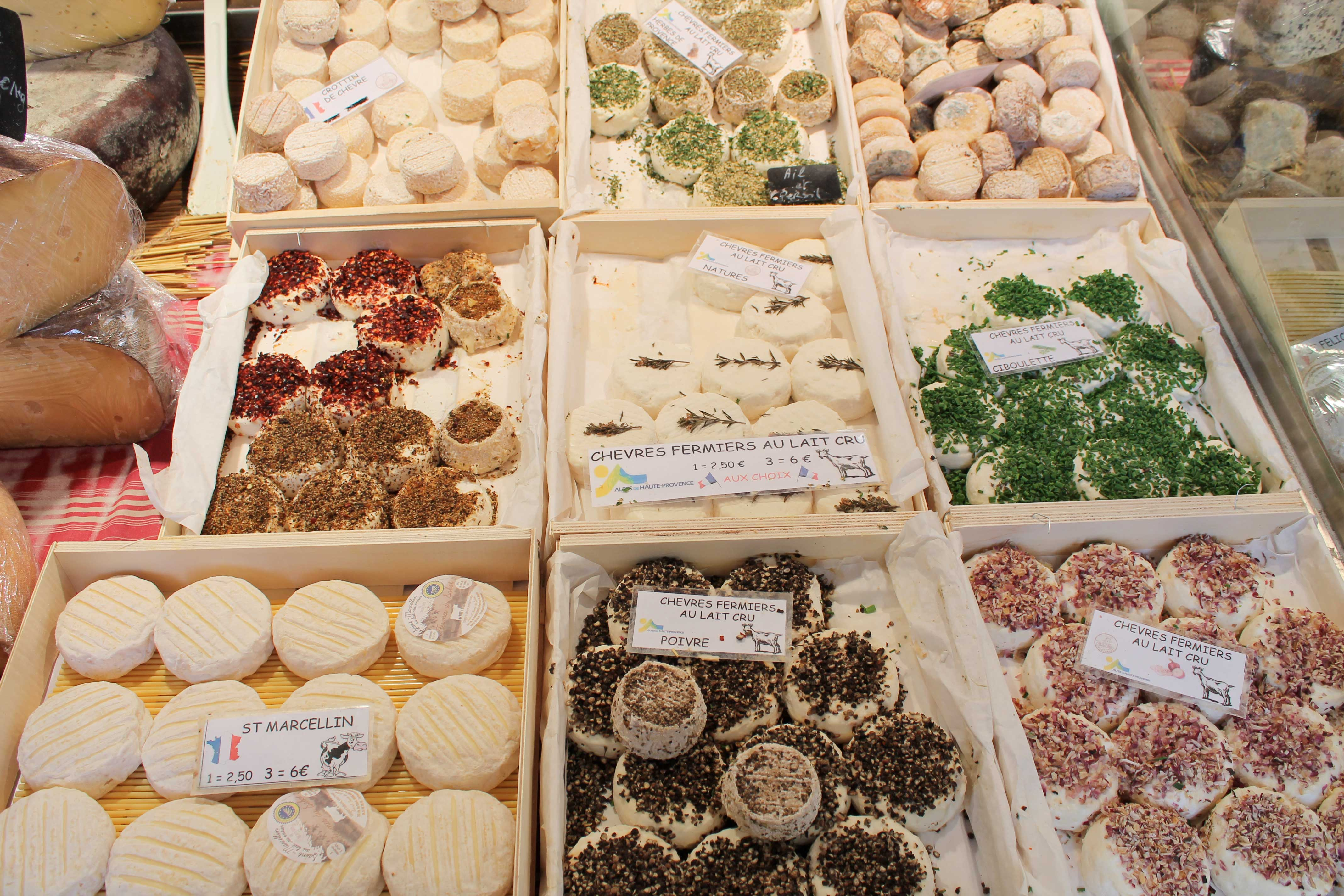 Shore excursion, goat cheese stall, Aix en Provence