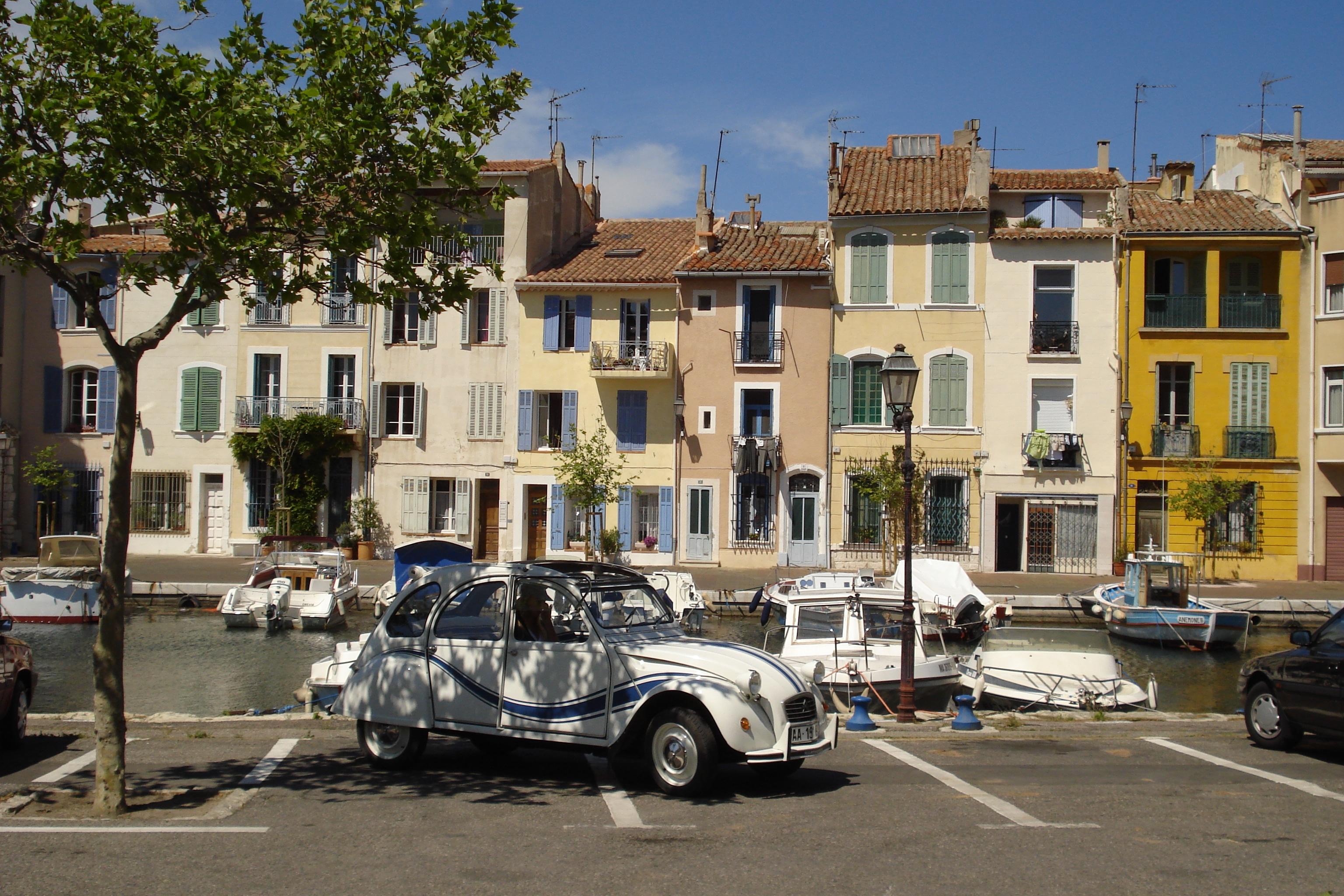 A la carte wine tour, 2 CV in the shadow
