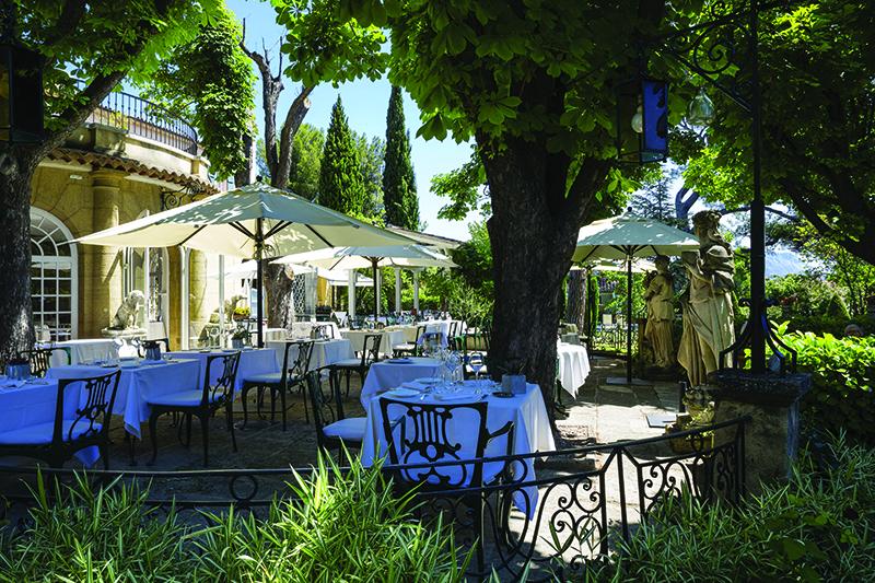 """Restaurant """"La table de Pigonnet"""" terrace in the shadow, at Hôtel Le Pigonnet, Aix en Provencee"""