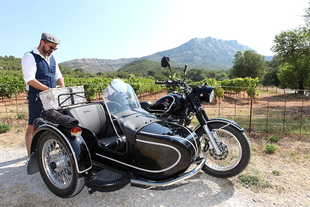 Provence wine tour sidecar background Sainte Victoire